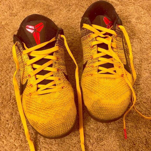 new product e9fe2 327bd Nike Kobe 11 Elite Bruce Lee Men s Sz 10. M 5c47d185aa5719a0b18061b1